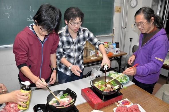 The suki-yaki dinner with Yamagata students.